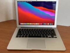 Продам  MacBook Air 13 2017 отличный