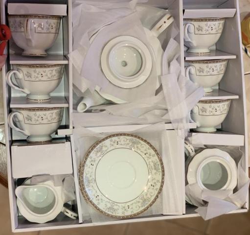 Продам  Сервиз чайный голубой ситец в Европе - 2