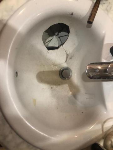 Окажу услуги реставрация ванн, душевых поддонов, раковин, джакузи, спа бассейнов в Исландии - 1