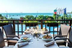 Требуются официанты  в Болгарии
