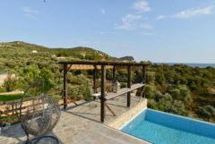 Предлагаю в аренду современную виллу в Греции