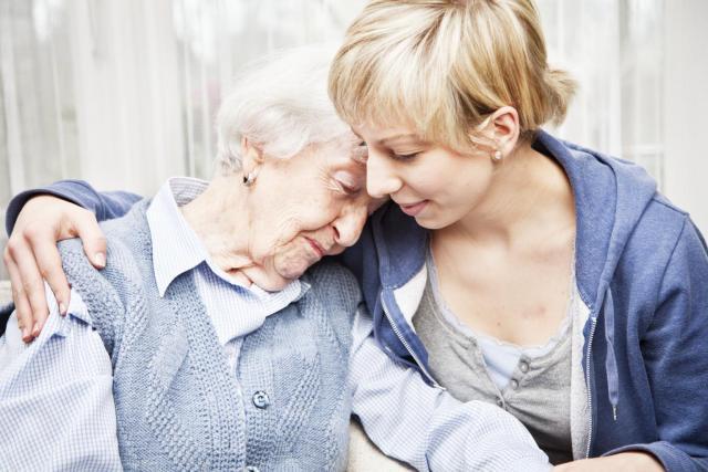Ищу работу  сиделки по уходу за престарелым или семейной парой  в Европе - 1