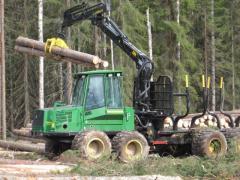 Требуется тракторист, оператор форвардера в Литве