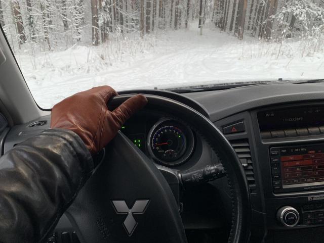 Продам автомобиль Mitsubishi Pajero 4 поколение, внедорожник 5 дв в Финляндии - 3