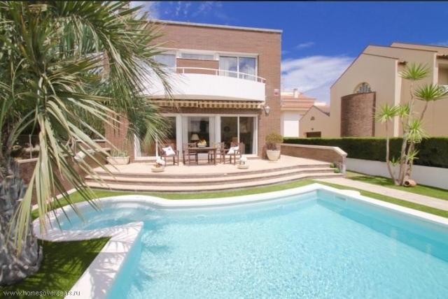 Сдам в аренду превосходный современный дом с бассейном и садом в Испании - 1