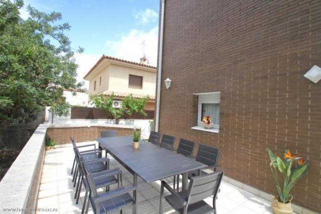 Сдам в аренду превосходный современный дом с бассейном и садом в Испании - 2
