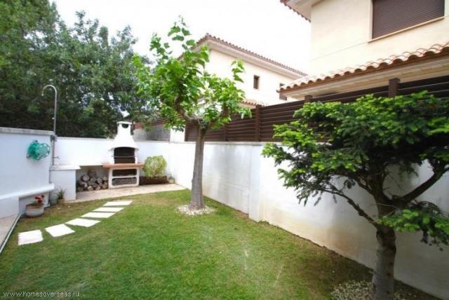Сдам в аренду превосходный современный дом с бассейном и садом в Испании - 3