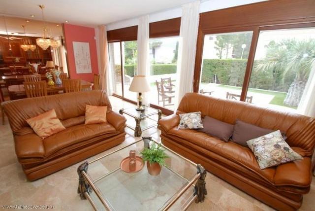 Сдам в аренду превосходный современный дом с бассейном и садом в Испании - 4
