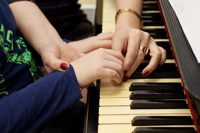 Ищу работу    на дому для  учеников: фортепиано, сольфеджио, блокфлейта в Финляндии - 1