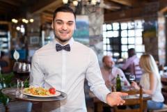 Требуются официанты  на Кипре