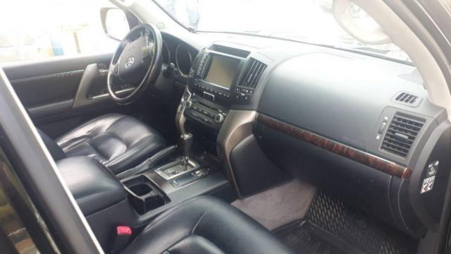 Продам Toyota Land Cruiser 200 J200, внедорожник 5 дверей - 2