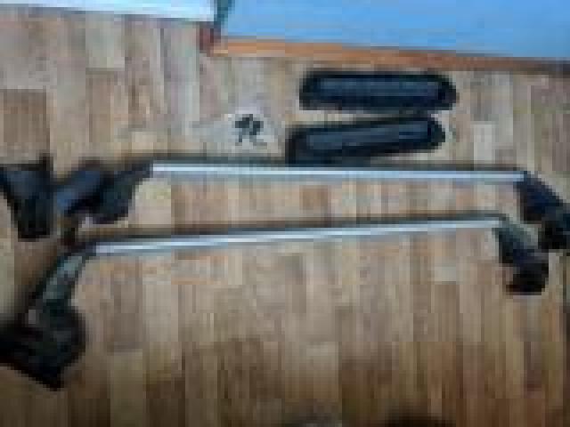 Продам верхний багажник и оригинальные крепления типа Т - 2