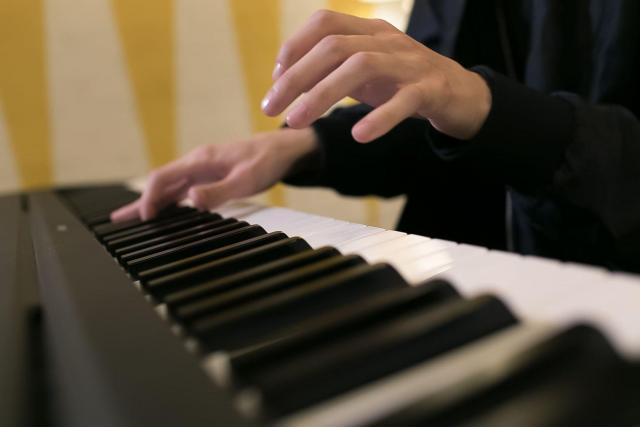 Ищу работу коктейльного пианиста - 1