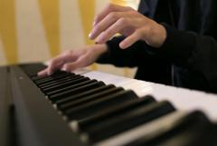 Ищу работу коктейльного пианиста