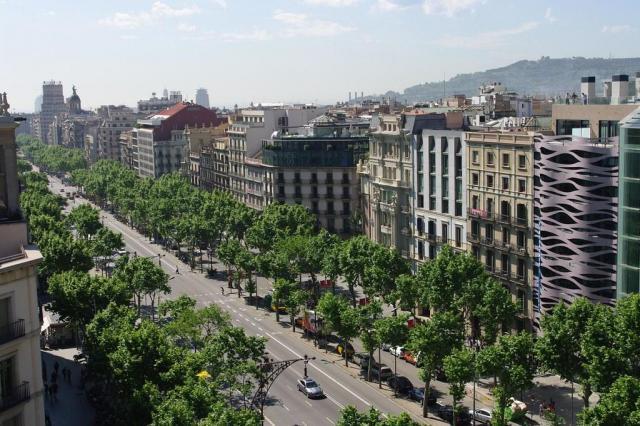 Продаётся небольшой роскошный отель в Барселоне. - 1