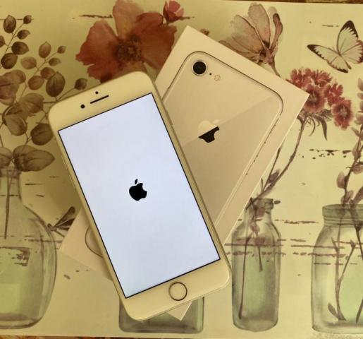 Продам айфон - 1