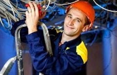 требуются строительные/промышленные электрики
