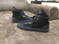Продам крутейшие зимние кроссовки на подростка 38 размер,