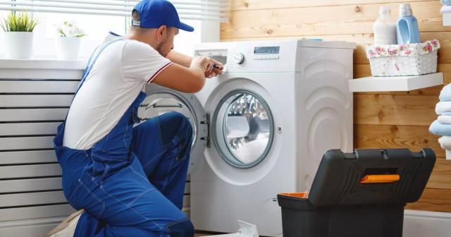 Частный мастер окажет услуги  по ремонту стиральных машин - 1