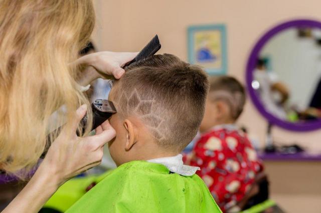 Требуются  парикмахеры - 1