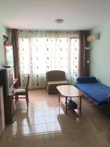 Болгария! Продается уютный апартамент возле моря! - 1