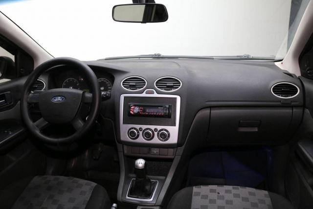 Продам Ford Focus, седан 4 дв. - 2