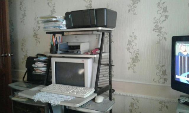 Продам компьютер со столом и двумя принтерами - 1