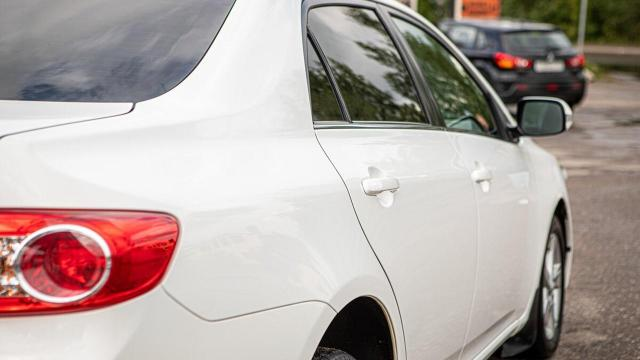Продам Toyota Corolla E150 [рестайлинг], седан 4 дв. - 1