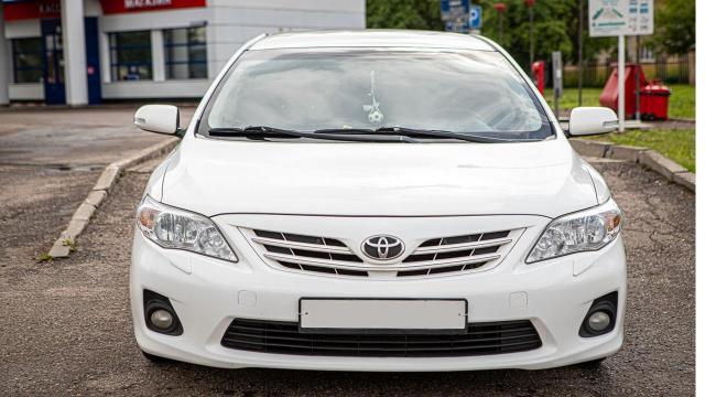 Продам Toyota Corolla E150 [рестайлинг], седан 4 дв. - 3