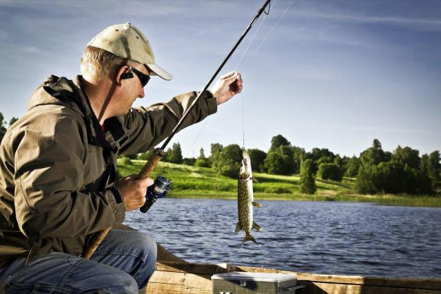 Требуются рыбаки - 1