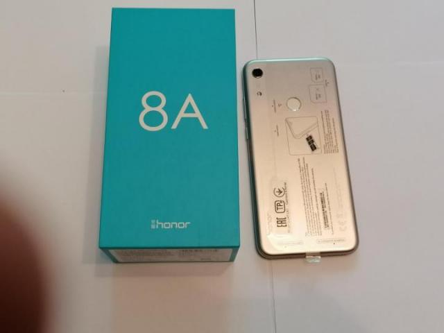 Продам Honor 8A - 2
