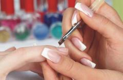 требуется мастер по наращиванию ногтей