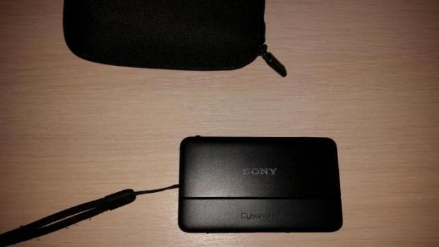 Продам Фотоаппарат Sony - 1
