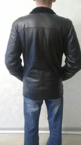 Продаю мужскую кожаную куртку - 4