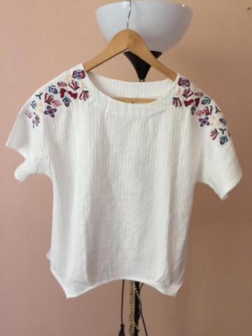 Продам шикарную белую блузу -футболку - 1