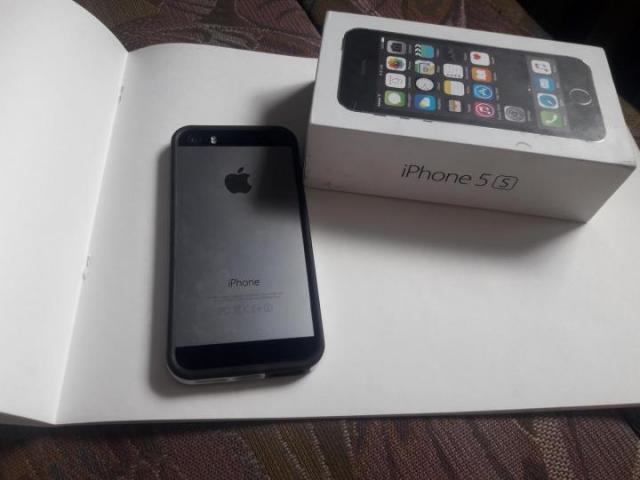 Продам Айфон s5 - 2
