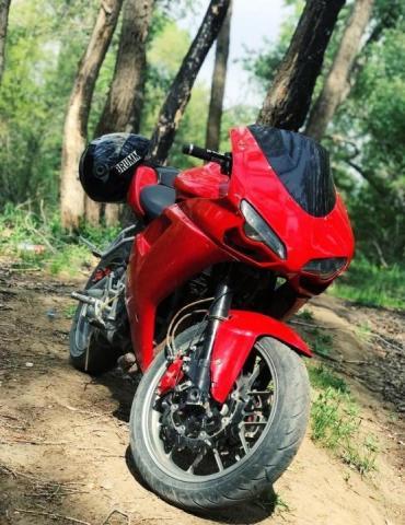 Продам Спортивный мотоцикл - 1