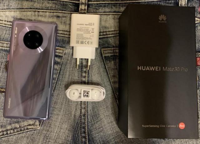 Продам оригинальный смартфон - 1