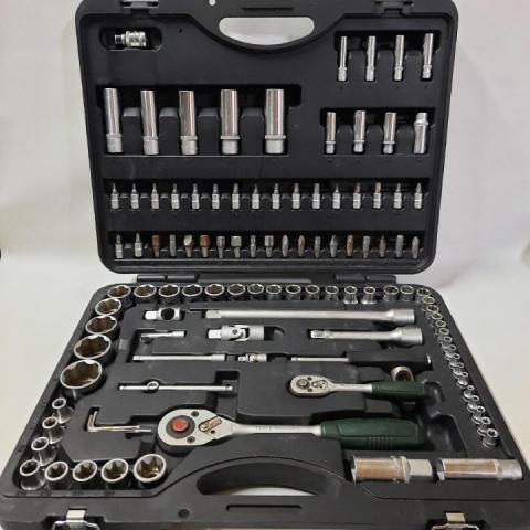 Продам набор автомобильных инструментов FORCE 41082-5 - 2
