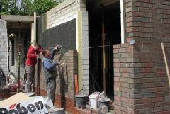 Требуется:  каменщик фасадчик для кладки клинкерного кирпича.