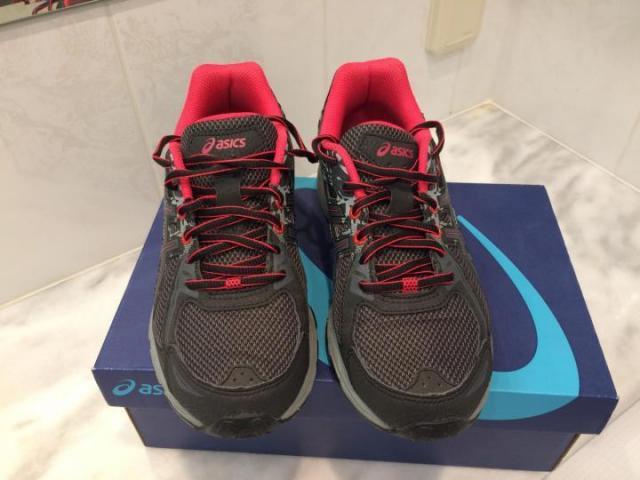 Продам женские кроссовки - 1