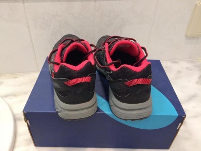 Продам женские кроссовки - 4