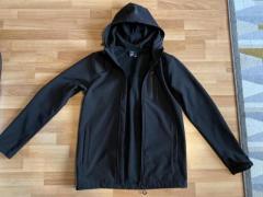 Продам стильную черную ветровку бренда CROPP