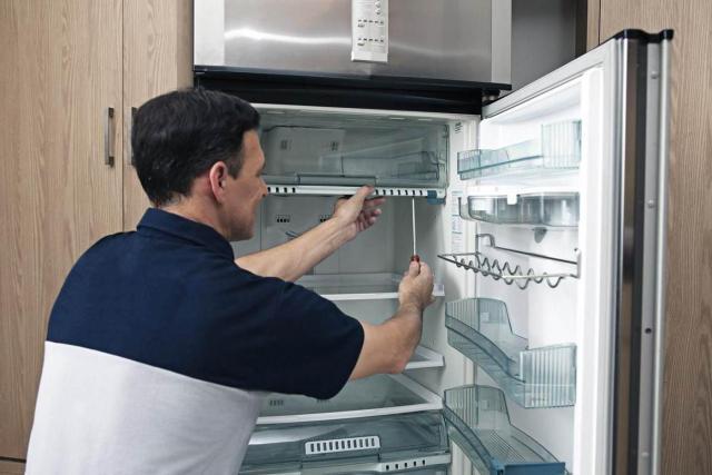 Окажу услуги по ремонту бытовых холодильников - 1