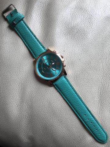 Продам  часы бирюзового цвета - 1