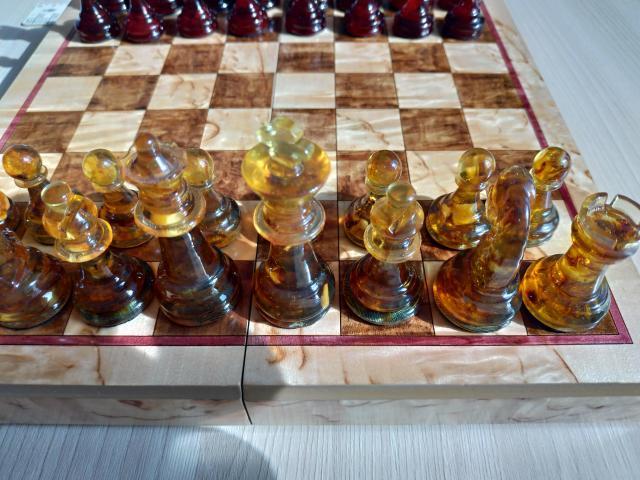 Шахматы из янтаря - 3