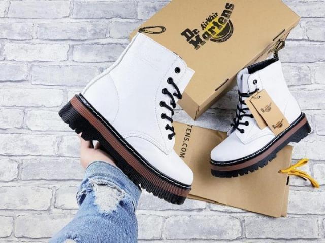 Продам женские ботинки - 1