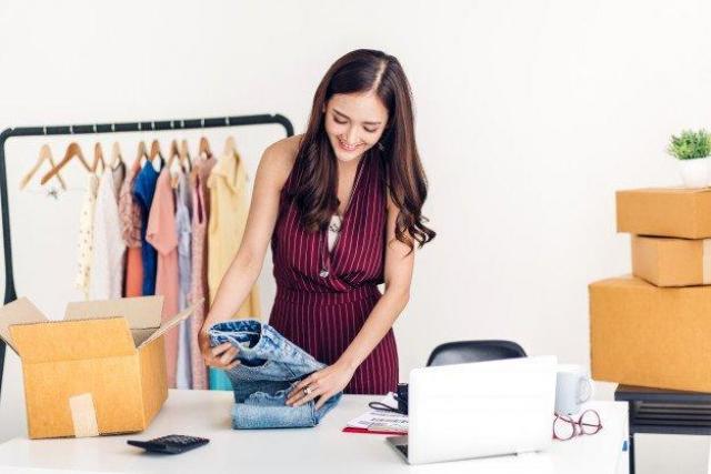 Упаковка заказов женского интернет магазина - 1