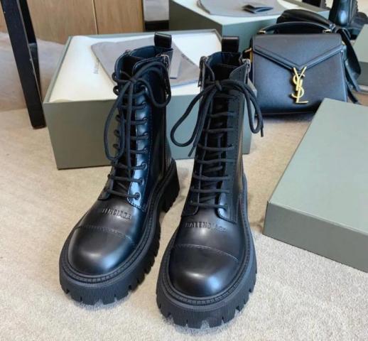 Продам ботинки Balenciaga - 1