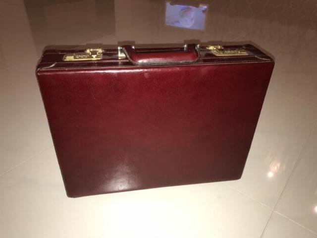 Продам дипломат кожаный цвет бордо - 1
